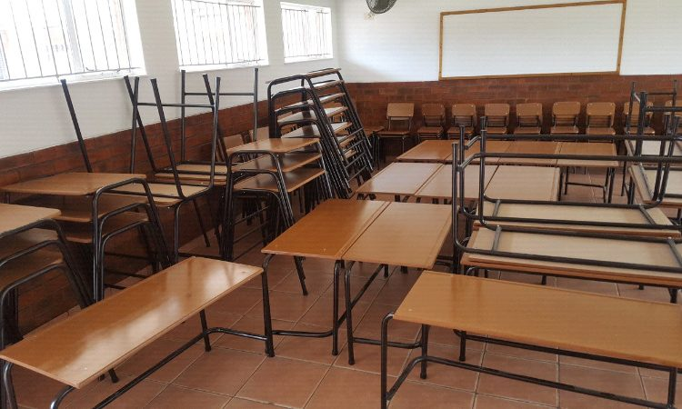 More Than 180 Learners At Eastern Cape School Test Positive for COVID-19